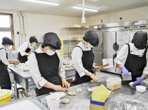 社会福祉法人征峯会ピアしらとり|パン工房班